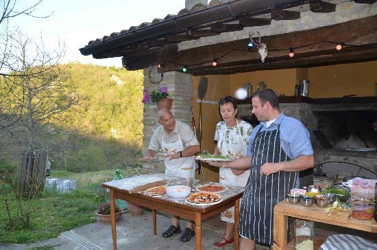 La Tavola Marche Agriturismo & Cooking School: Pizza evening