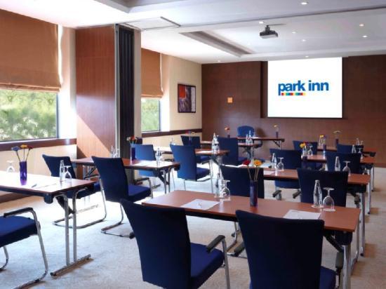 Park Inn by Radisson Al Khobar : Meeting Room