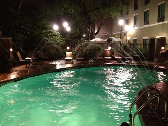 Holiday Inn Express Hotel & Suites Mt Pleasant-Charleston: Pool at Night