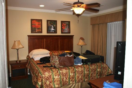 Summit Manor Condominiums: Master Bedroom