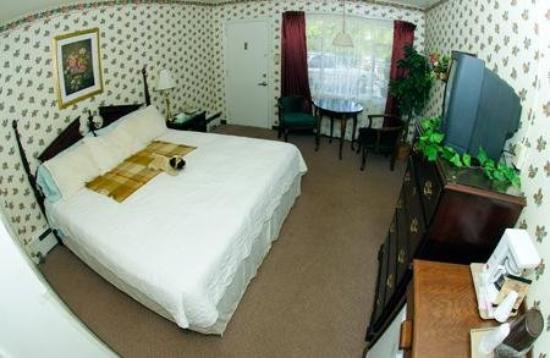 Parkway Inn: Guest Room