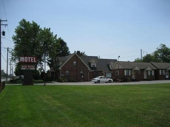 The Red Rose Motel: Exterior View