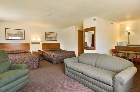 Wamego Inn & Suites : Lobby