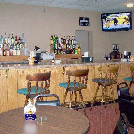 Ridge Crest Plaza Inn & Suites: Ridge Crest Plaza West Plains MOLounge