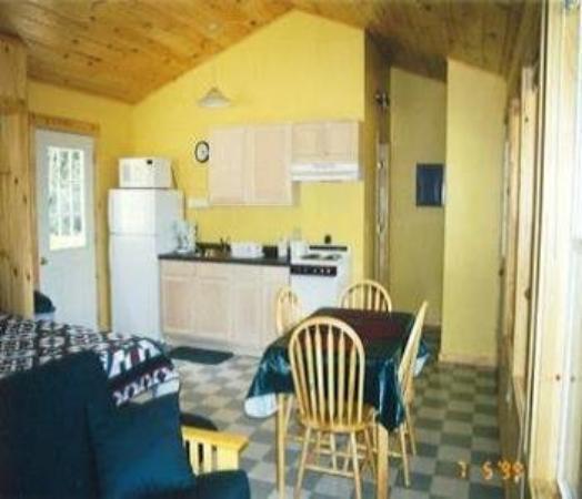 Nantahala Cabins : Cabin #2 - Kitchen