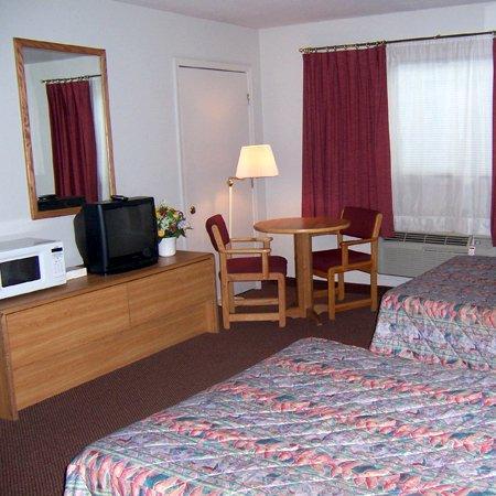 Oak Hill Inn & Suites: Oakhill Inn Tahlequah OKBeds