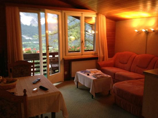 Hotel Kirchbuehl: Living Area -- Hilty Hus 503