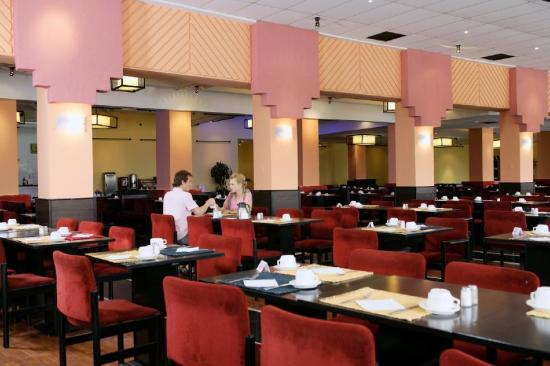 Holiday Village Manar: Main Restaurant
