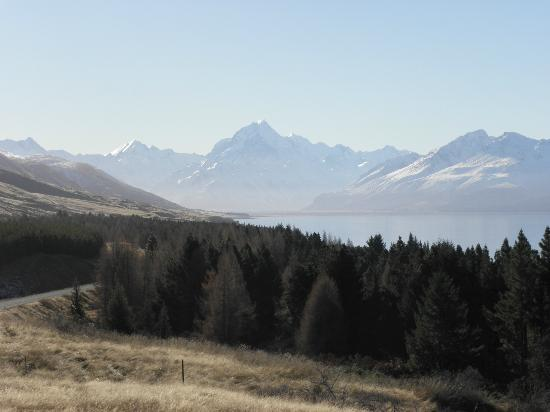 Peppers Bluewater Resort: View of Mt Cook from Lake Pukaki