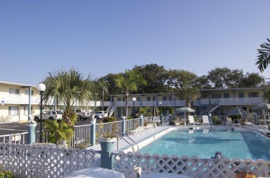 Floridian Inn: Exterior View