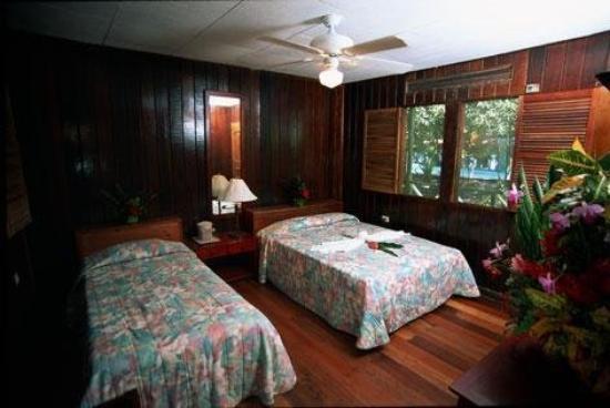 Tortuguero Jungle Lodge: Guest room