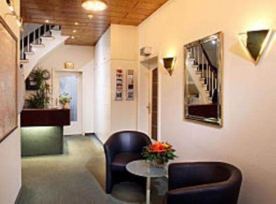 Hotel Benn: Lobby