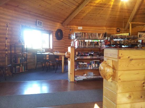 Golden Spruce Cabins : Lending library of movies inside the cafe