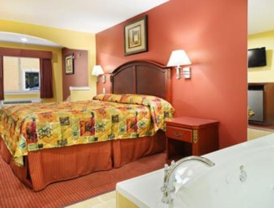Palace Inn Sam Houston Parkway North: Jacuzzi Suite