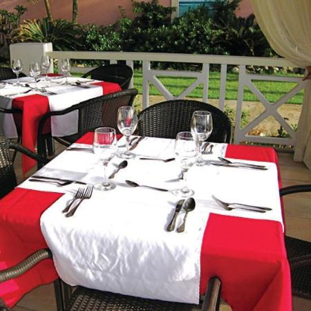 Velero Beach Resort: Dining