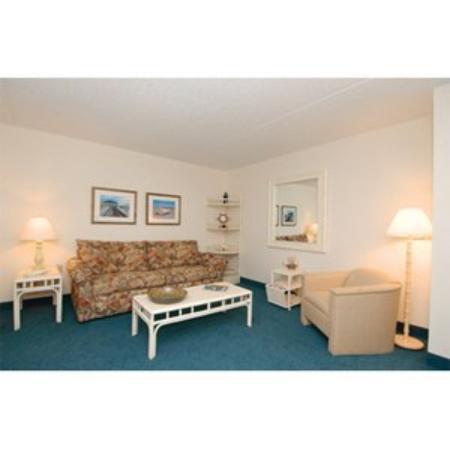 Biscayne Suites: Liv Room