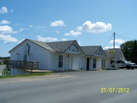 Carbonear Motel: View of the front of the motel, from the west side.