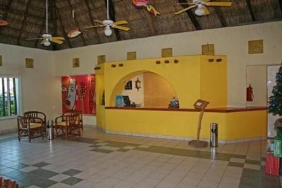 Palapa Palace: Lobby