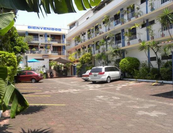 Hotel Los Arcos: Exterior