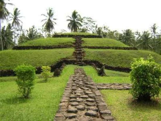 Sumatra, Indonesia: The three-tiered mound