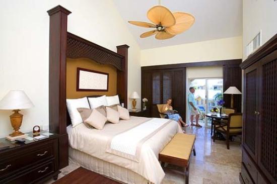 Royal Hideaway Playacar: Luxury Room