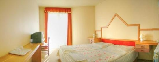 Hotel Diana: Guest Room
