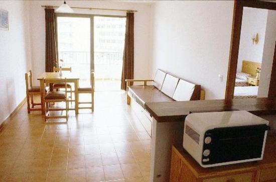 Apartaments Es Canto Bossa: Guest Room