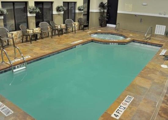 Sleep Inn & Suites: Pool