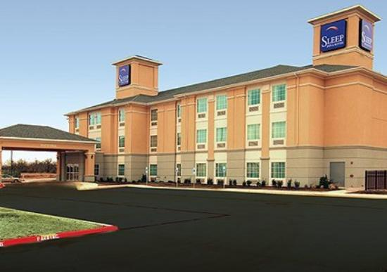 Sleep Inn & Suites University: Exterior