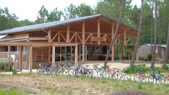 Piscine photo de camping sandaya soustons village for Restaurant soustons