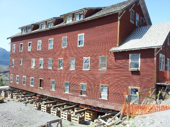 Kennecott Copper Mine: Bunkhouse under construction