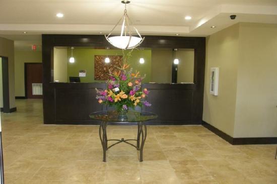 Rodeway Inn & Suites: Frontdesk