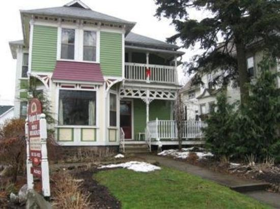 Niagara Inn Bed and Breakfast: NIAGARA INN BED & BREAKFAST