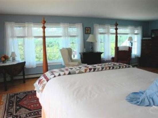 Apple Hill Inn: Guest Room