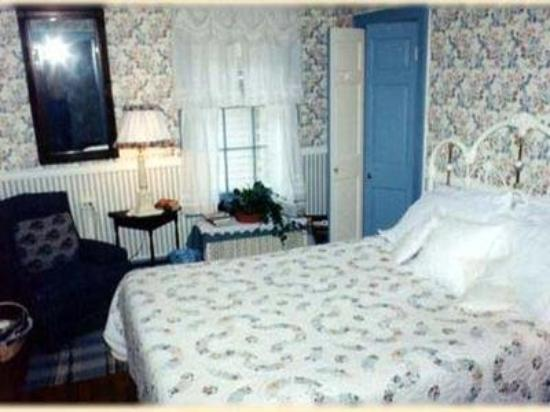 1805 Phinney House: Guest Room