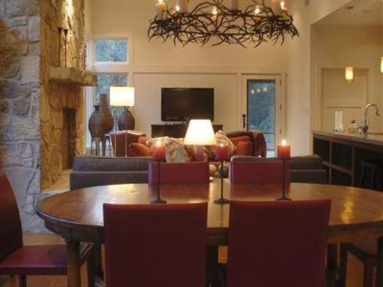 Rancho Sereno-The Inn at Sandy Creek: Interior -OpenTravel Alliance - Lobby View-