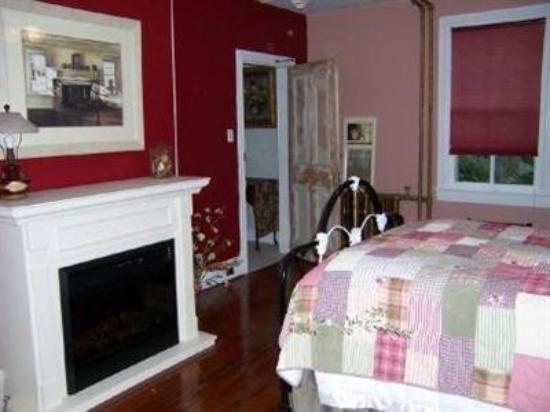 River Line Inn: Guest Room