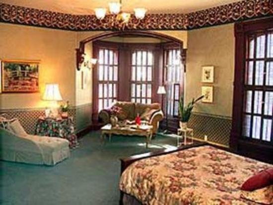 Inn at Pine Terrace: Guest Room