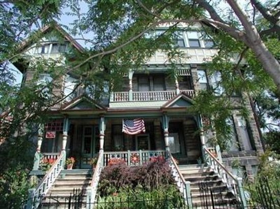 Stone Gables Bed and Breakfast: A beautiful summer day in Cleveland