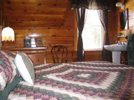 St. Bernard Lodge: Guest Room -OpenTravel Alliance - Guest Room-