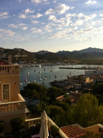 Hotel Villa Italia: early morning from our balcony room 219