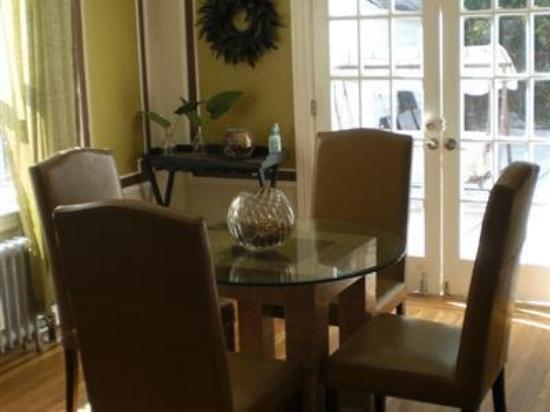 Anastasia's Bed & Breakfast: Interior -OpenTravel Alliance - Lobby View-