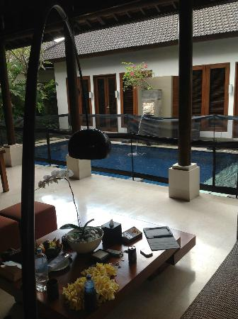 Lakshmi Villas: Villa Kawi Dining area / Pool