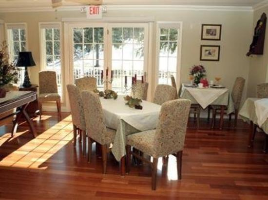 The RoseMary Inn : Interior Dinning Room