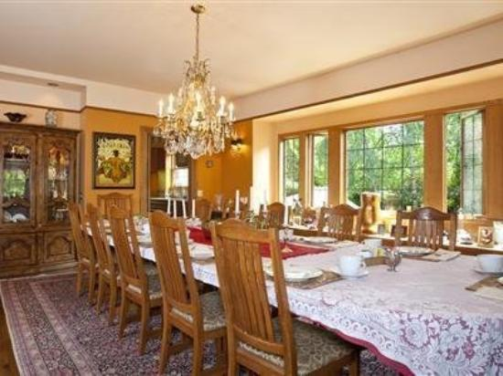 Bacon Mansion: Interior Dinning Room