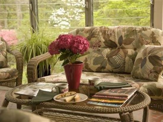 Colonial Gardens Bed & Breakfast : Interior