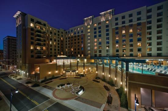 Wyndham Vacation Resorts At National Harbor: NHExterior Night