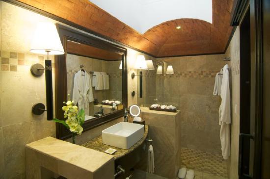 Camino Real Antigua : Room Bathroom
