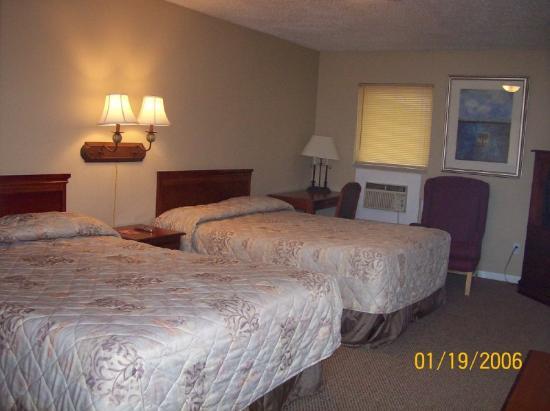 Greenup Inn: 2 Queen Beds