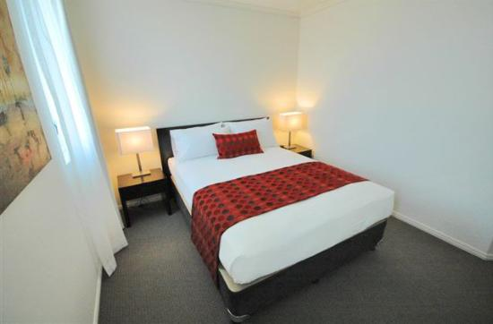 BEST WESTERN PLUS Cairns Central Apartments: Bedroom Apartment